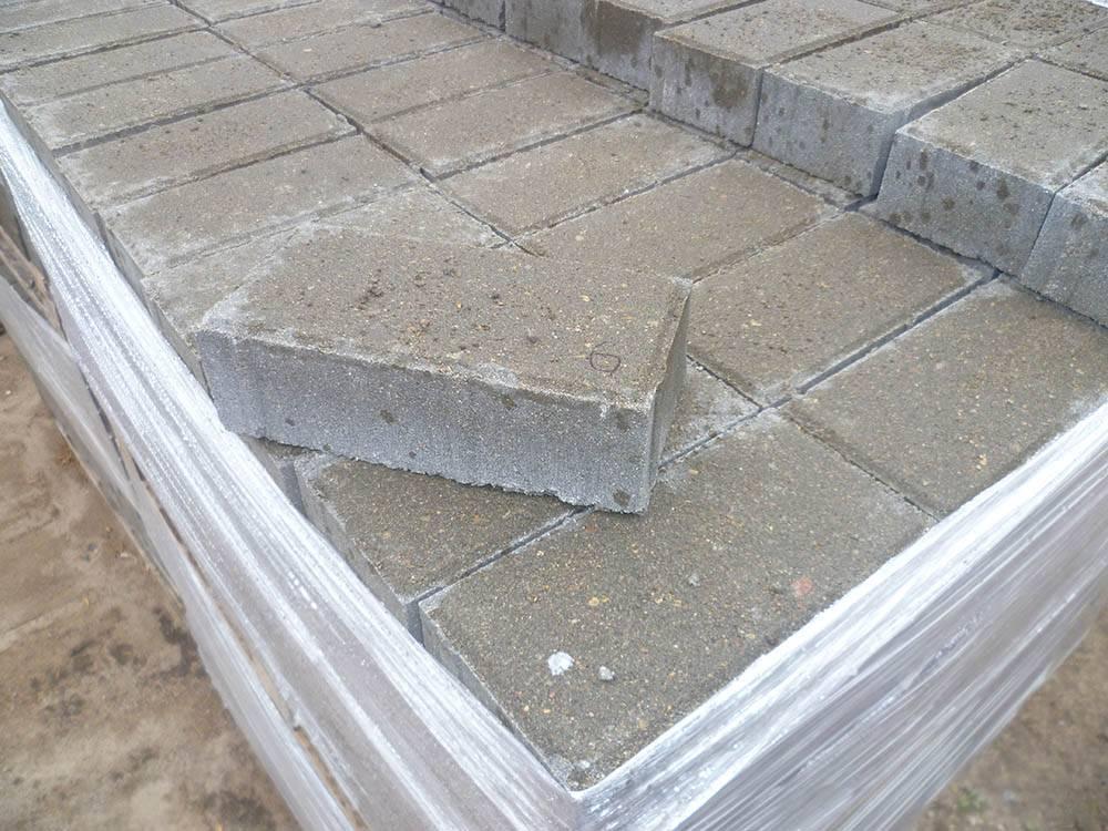 Тротуарная плитка «Кирпичик» от 12 руб/м²